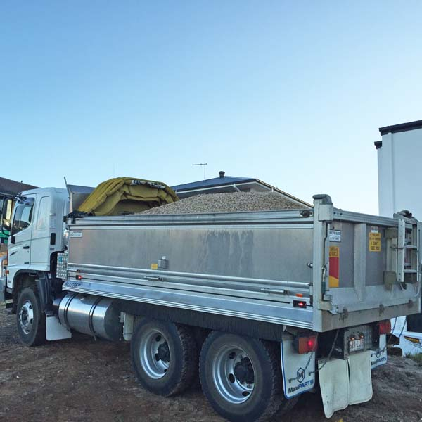 Bulk gravel Brisbane - landscaping Supplies